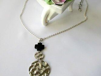 クロスオニキスのネックレスの画像