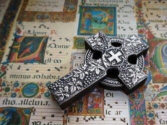 ケルト十字架 ブドウ柄の画像