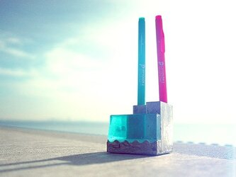 """小さな海のペンスタンド。 """"Pool-B""""(ブルー)の画像"""