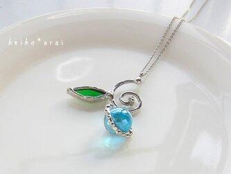 [sold] ステンドグラスのネックレス-アラベスク(水色)の画像