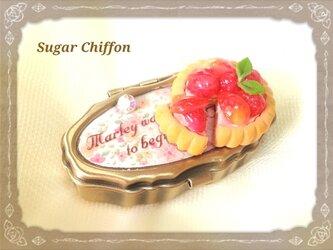 【送料無料】ラズベリータルトのアンティークピルケース♡小花柄の画像