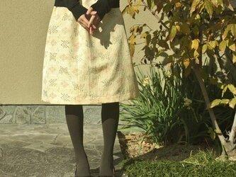 着物の毎日スカート(薄黄色に蝶・L)の画像