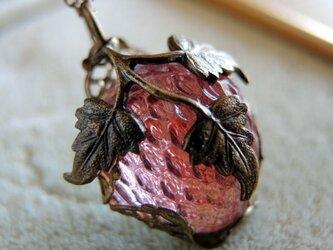 【ヴィンテージ/アンティーク】オーストリア ピンク苺 ネックレスの画像