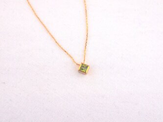 basic square necklace/peridotの画像