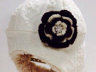 アラン模様のフワモコ帽子の画像