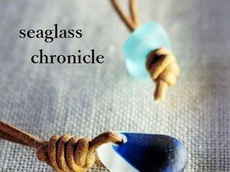 小ぶりUKシーグラス革紐ペンダント⑤の画像
