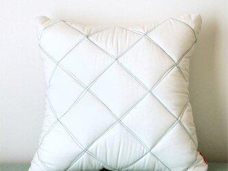 Quilt cushion (M) / whiteの画像