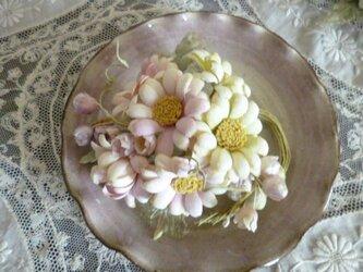 マーガレットと小花のコサージュ*ピンクグラデーションの画像