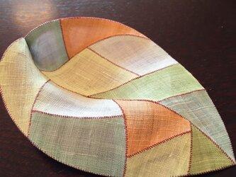 葉っぱ型 敷物  (ポジャギ)の画像