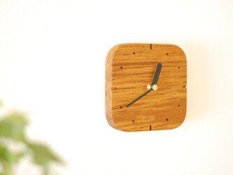 チークの四角い時計 インデックス付の画像