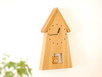 くまの振り子時計の画像