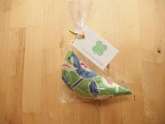 まあるいお花柄のガラガラ/緑の画像