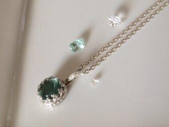 グリーンフローライトのネックレスの画像