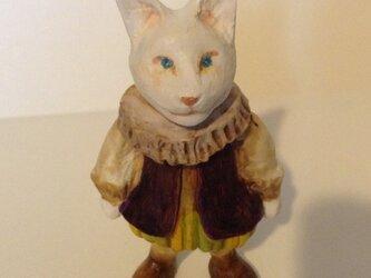 白い狐の王子の画像