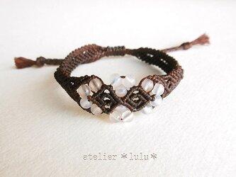 小粒天然石のお花ブレス ピンクカルセドニー&ブラウンコードの画像