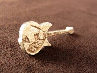 ギターのピンブローチ(リッケンバッカータイプ)の画像