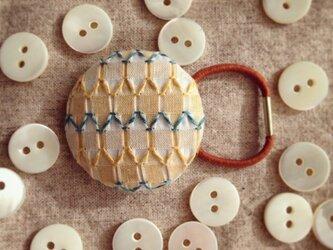 スモッキング刺繍くるみボタンのへアゴム S-6の画像
