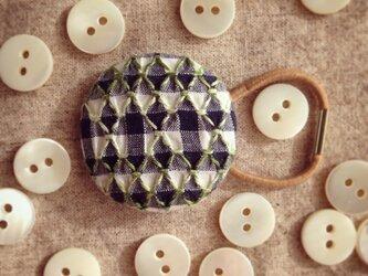 スモッキング刺繍くるみボタンのへアゴム S-11の画像