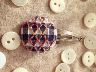 スモッキング刺繍くるみボタンのヘアピン SP-2の画像