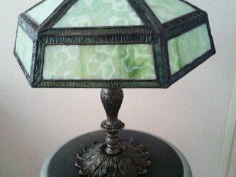 ステンドグラスランプの画像