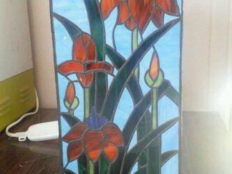 ステンドグラスランプ 菖蒲の画像