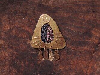 夏の大三角形刺繍のブローチの画像