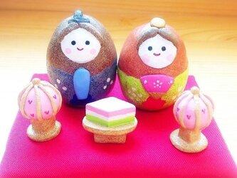 卵びなセット(赤座布団・白ぼんぼり)の画像