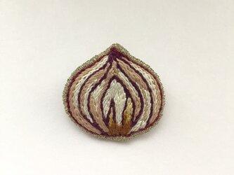 紫タマネギ - ブローチの画像