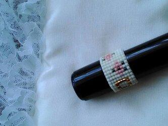 ビーズ織の指輪K(小花・白)の画像