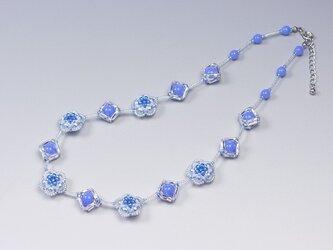 フラワーネックレス ブルーの画像