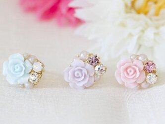 【再販】薔薇とリボンのイヤーカフの画像