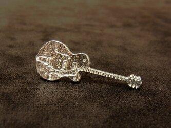 ギターのピアス(グレッチタイプ)の画像