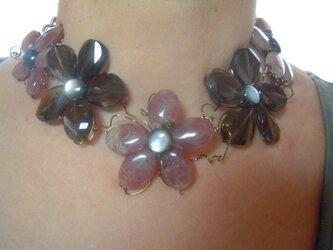 天然石 貝の花の画像