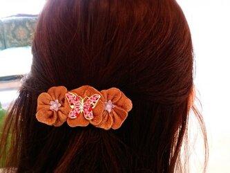 【鹿革】flowerバレッタの画像