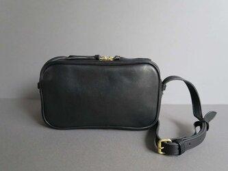 rectangle shoulder bag (black)の画像