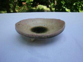 黄瀬戸釉変形足付き皿の画像