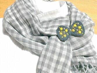 【ローヌ川の星月夜】蝶タイの形のブローチの画像