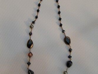 ハリウッドビーズのネックレスの画像