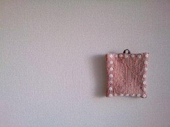 花モチーフの裂き織りポットマットBの画像