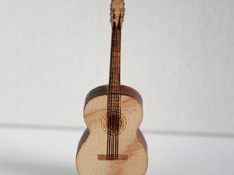 ブローチ music (ギター w/string)の画像