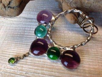 ステンドグラスのキーホルダー  葡萄の雫の画像