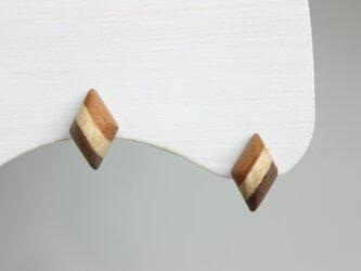 寄木のストライプダイヤピアスの画像