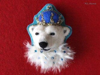 女王さまのエンブレムブローチの画像