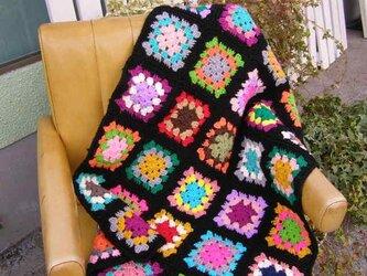 モチーフ編みブランケット*カラフルポップ/ブラックの画像