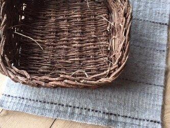 ■手織マット+籠kagoセット/手紡綴織り敷マット+ツヅラフジスクエア籠の画像