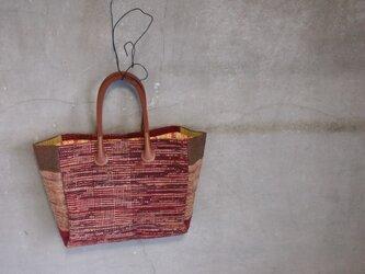 裂き織り/柿渋胡桃の手提げバッグ  (+orimi)の画像