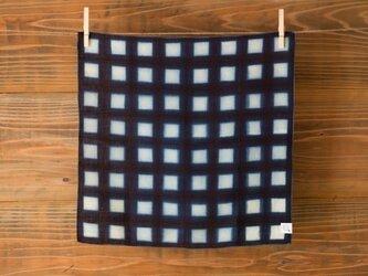 【受注製作】本藍絞り染め オーガニックリネンハンカチ(板締め升目)の画像