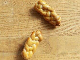 あみパンのブローチの画像