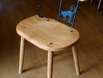 アイアン双葉付き無垢材の椅子の画像