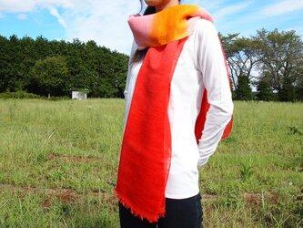 国産シルク100%手染めストール -red&yelow-の画像